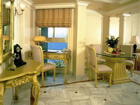 Отель Golden Bay Hotel 5*, Ларнака