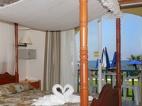 Отель Kefalos Beach Tourist Village 4*, Пафос