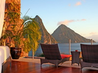 Отель Jade Mountain 4*,